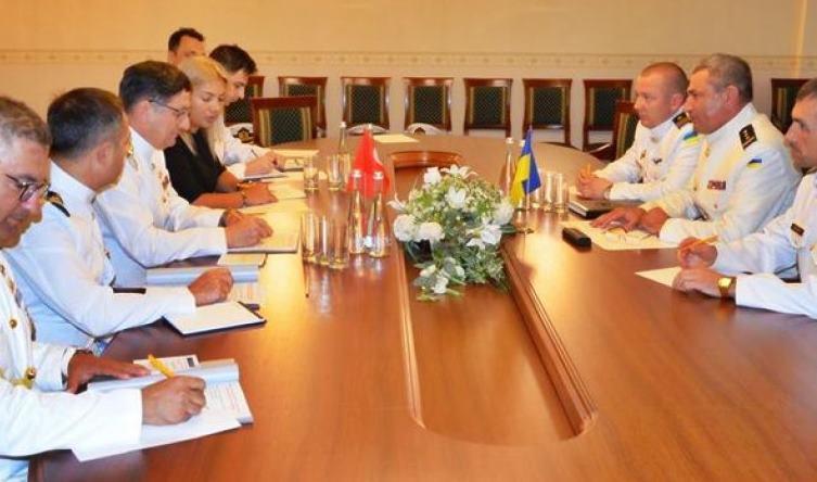 Türkiye Deniz Kuvvetleri Komutanı ile Ukrayna Deniz Kuvvetleri Komutanı Bir Araya Geldi