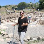 antik cagin hac merkezindeki kazilarda yillik sikke ve kemik tokalar ortaya cikti aab