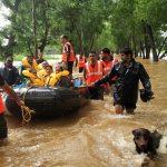 hindistanda saganak muson yagmurlari bin kisi tahliye edildi ffff