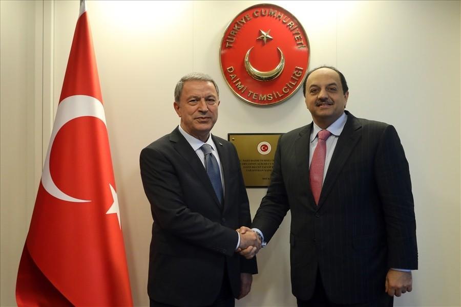 Bakan Akar, Katar Başbakan Yardımcısı Al Attiyah ile bir araya geldi