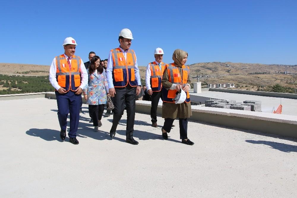 """Bakan Kurum, """"Operasyon bittiği zaman yerleşim alanı inşası projesini hayata geçireceğiz"""""""
