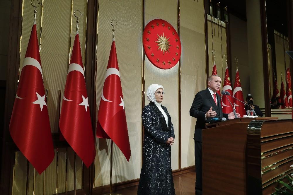 """Cumhurbaşkanı Erdoğan: """"Rusya terör örgütlerinin çıkarıldığı bilgisini yetkili mercilerimize verdi"""""""