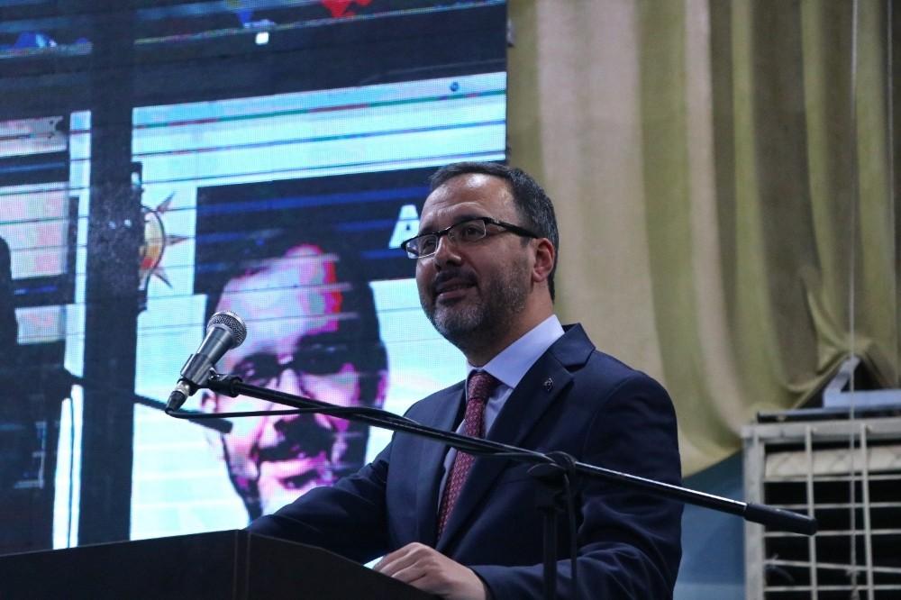 """Gençlik ve Spor Bakanı Kasapoğlu: """"Sporcularımızın Mehmetçiğe selam durmasından ikiyüzlüler rahatsız oldu"""""""