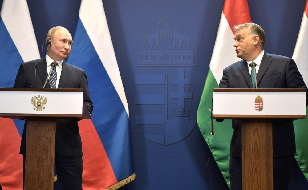 Macaristan'a giden Putin, Türk Akımı projesini görüştü