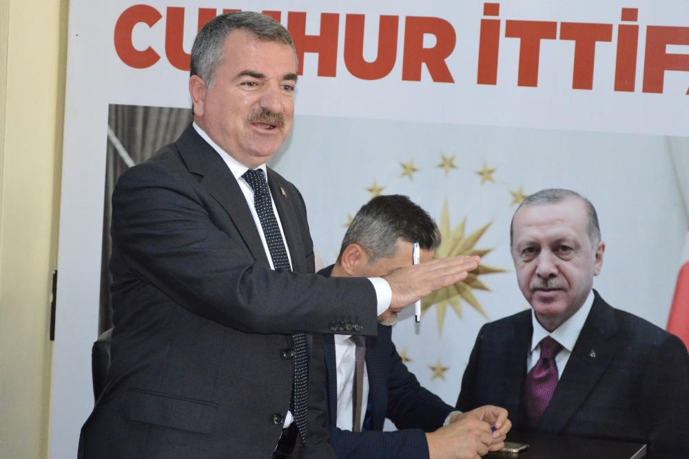 """Özdemir: """"Siyasi ve ekonomik darbelere karşı ayaktayız"""""""