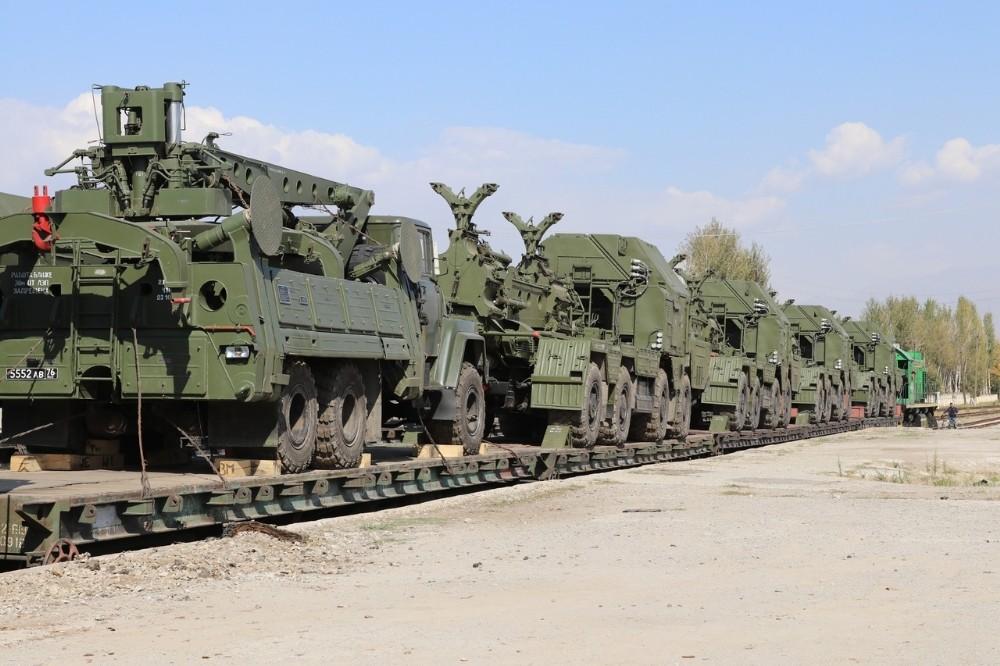 Rusya, Tacikistan'a hava savunma sistemlerini trenle gönderdi