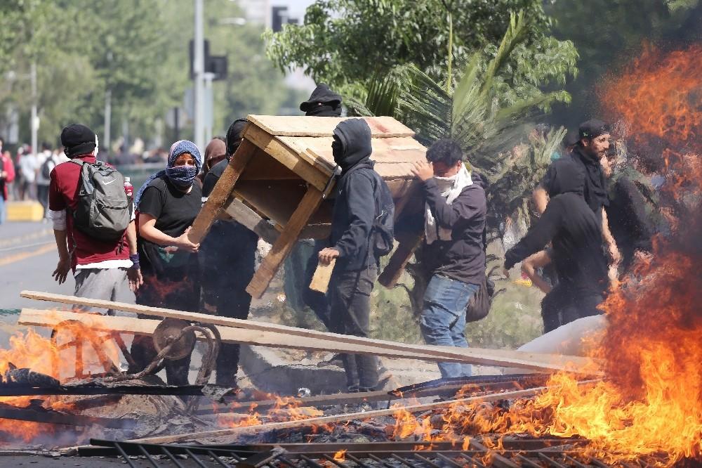 Şili'deki protestolarda bilanço artıyor