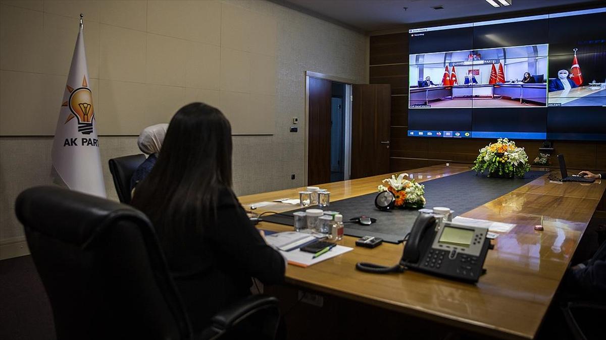 AK Parti, CHP ve MHP ile video konferans aracılığıyla bayramlaştı