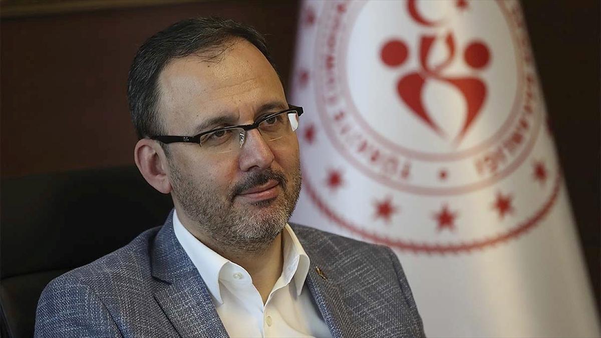 Bakan Kasapoğlu Galatasaray Başkanı Cengiz'i ziyaret etti