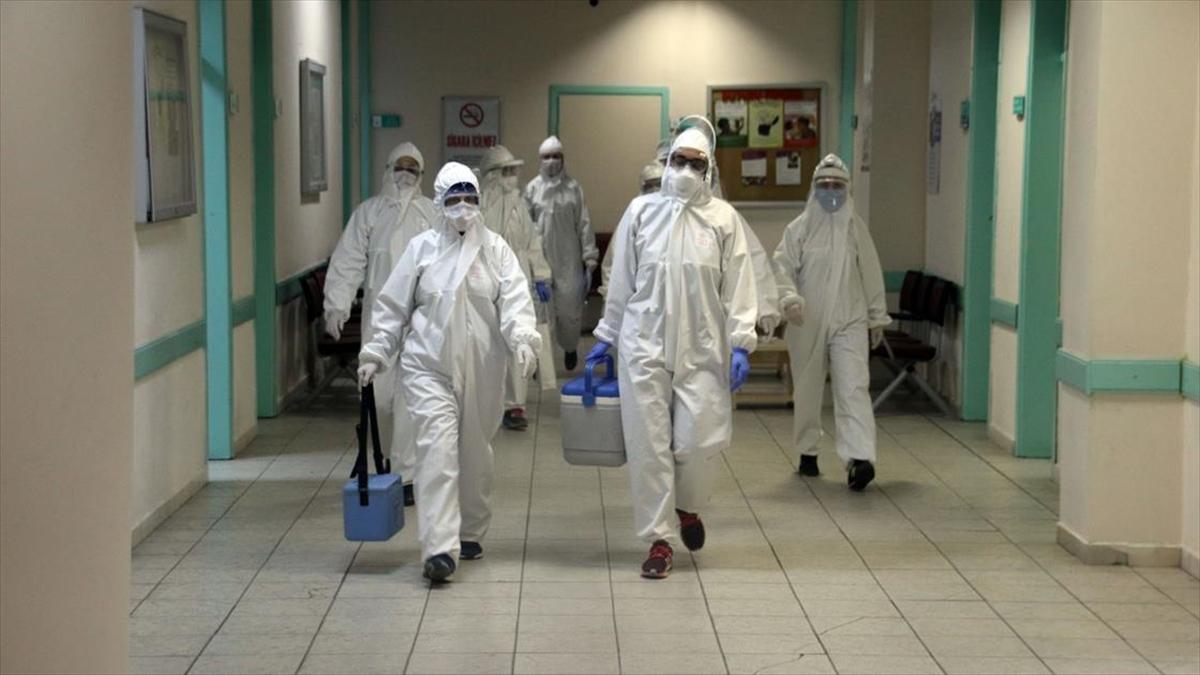 Filyasyon ekibi gece de koronavirüsün izini sürüyor