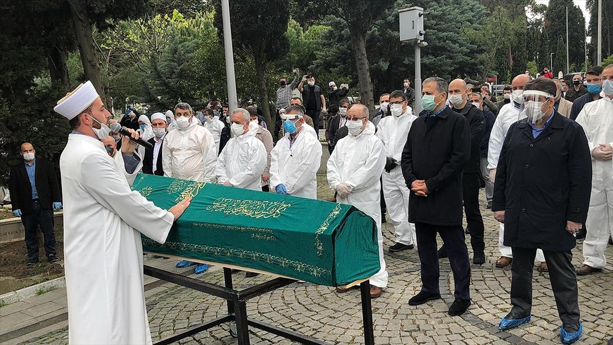 İlahiyatçı-yazar Ömer Döngeloğlu son yolculuğuna uğurlandı