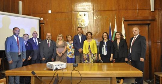 Büyükelçi Sekizkökten Burgaz Belediye Başkanlığına ziyaret