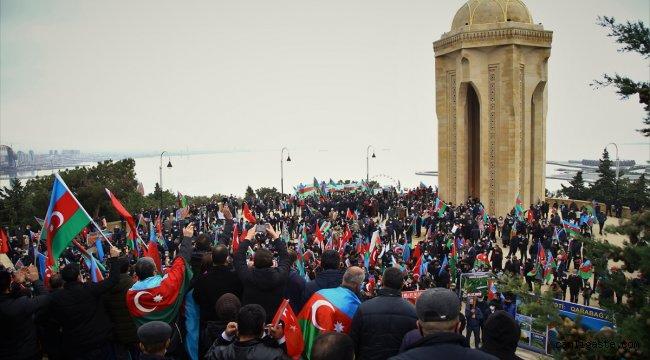 AZERBAYCAN HALKI LAÇIN'IN KURTULUŞUNU KUTLADI